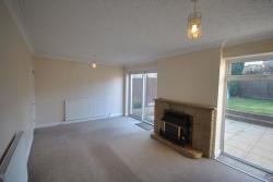 Detached House To Let Lake View Avenue Chesterfield Derbyshire S40
