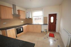 Terraced House To Let Jawbones Hill Chesterfield Derbyshire S40