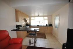 Flat To Let Ashgate Road Chesterfield Derbyshire S40