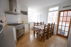 Terraced House To Let  Kings Road Devon EX4