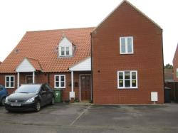 Terraced House To Let  Vicarage Close Norfolk NR29