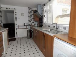 Terraced House To Let Peaksfield Avenue Grimsby Lincolnshire DN32