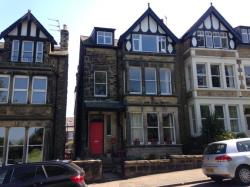 Flat To Let Harlow Moor Drive Harrogate North Yorkshire HG2