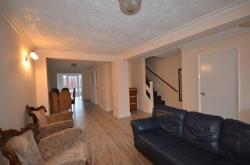 Semi Detached House To Let Wembley  Middlesex HA0