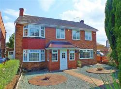 Detached House For Sale Kingshill Avenue Hayes Middlesex UB4