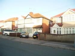 Terraced House To Let Roseville Road Hayes Middlesex UB3