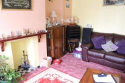 Flat For Sale Warwick Road Hounslow Middlesex TW4