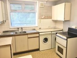 Flat For Sale Benson Close Hounslow Middlesex TW3