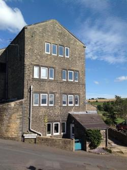 Terraced House For Sale Cliff Road Holmfirth West Yorkshire HD9