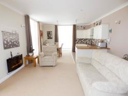 Flat For Sale Moorside Avenue Huddersfield West Yorkshire HD4