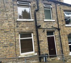 Terraced House To Let Linthwaite Huddersfield West Yorkshire HD7
