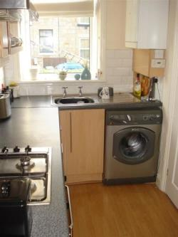 Terraced House To Let Bramley Leeds West Yorkshire LS13