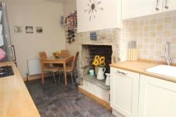 Terraced House To Let Laurel Mount Pudsey West Yorkshire LS28