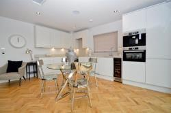 Flat To Let Commerical Road London Greater London E1