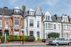 Terraced House For Sale Clissold Crescent London Greater London N16