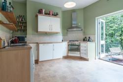 Flat To Let Stavordale Road London Greater London N5
