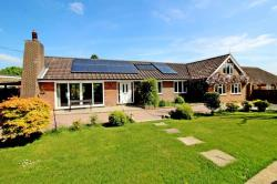 Detached Bungalow For Sale  Jenkins Lane Hertfordshire HP23