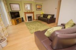 Detached House For Sale Newells Hedge Pitstone Bedfordshire LU7