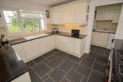 Detached House For Sale Albion Rd Pitstone Bedfordshire LU7