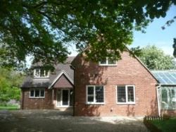 Detached House For Sale  Woodlands st mary Berkshire RG17