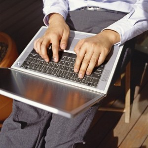 Property News - Internet 'speeding up property sales'
