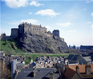 Property News - Property in Edinburgh falls 11%