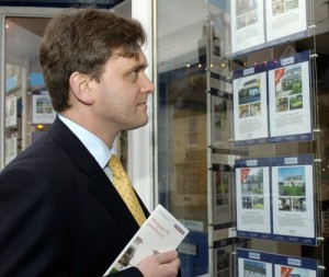 Property News - Housing market is stable but consumers still cautious