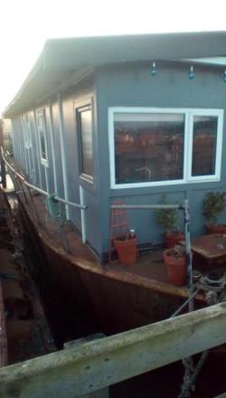 Houseboat For Sale  Strood Kent ME2