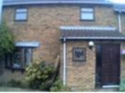 Terraced House To Let Lower Earley Reading Berkshire RG6