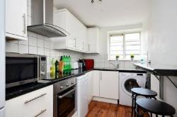 Flat To Let Bounds Green station London Greater London N13