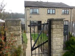 Detached House To Let Batley Batley West Yorkshire WF17