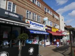 Flat To Let HATCH END HARROW Middlesex HA5