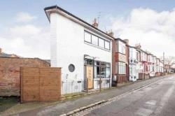 End Terrace House For Sale  Aylesbury Buckinghamshire HP20