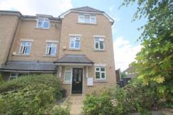 Semi Detached House To Let Southagte Southagte Greater London N14