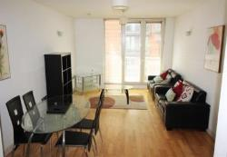 Flat To Let Spinningfields Manchester Greater Manchester M3
