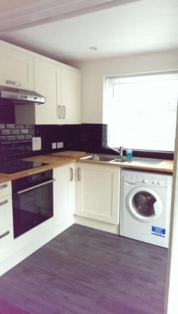 Semi Detached House To Let Camberley Camberley Surrey GU15